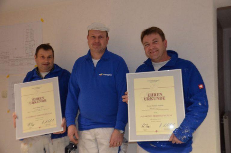 Von links: Jubilar Jürgen Bätz, Firmeninhaber Torsten Lerch und der 2. Jubilar Thomas Musick